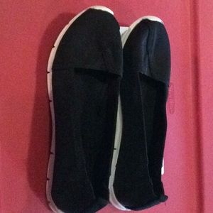 SO black size 8 fabric upper rubber sole shoes